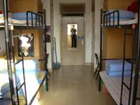 Un dormitorio limpio de la Universidad de Pekín.