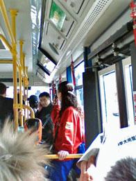 Vendedora de billetes de autobus en Pekin.jpg