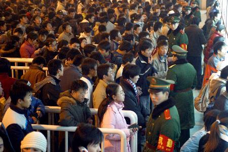 Colas en las taquillas durante la fiesta de la primavera en China.